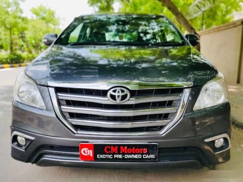 Used Toyota Innova 2.5 VX 8 STR 2016 MT for sale in Ahmedabad