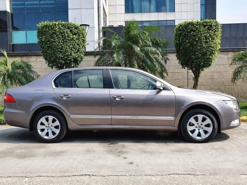 Used 2013 Skoda Superb AT for sale in New Delhi -4