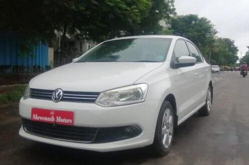 Volkswagen Vento 1.6 Highline BSIV 2012 MT in Ahmedabad -11