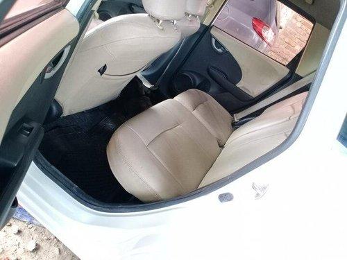 Used 2011 Honda Jazz MT for sale in Kolkata