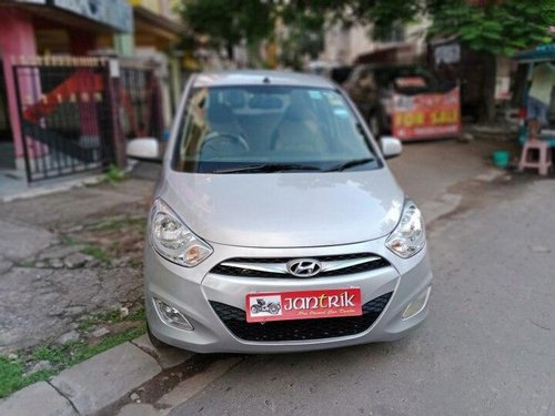 Used Hyundai i10 Sportz 2015 MT for sale in Kolkata