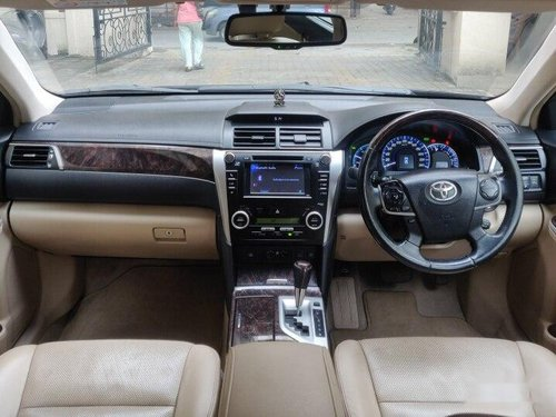 2014 Toyota Camry AT for sale in Thane