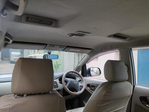 2013 Toyota Innova 2.5 V Diesel 7-seater MT in Bangalore