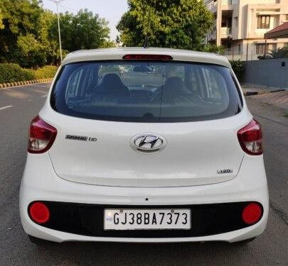 Hyundai i10 Magna 2018 MT for sale in Ahmedabad