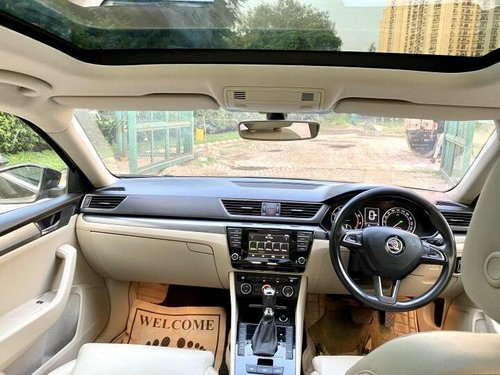 2016 Skoda Superb Style 1.8 TSI AT in New Delhi-3