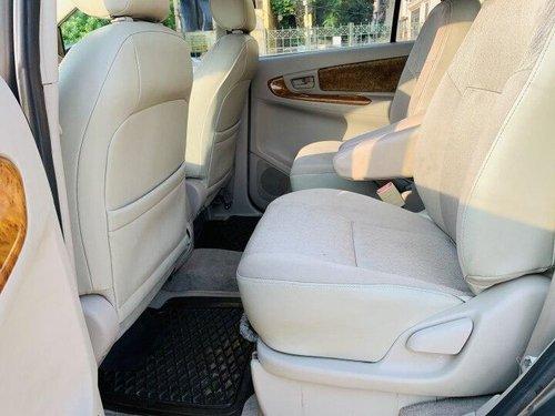 Used Toyota Innova 2.5 GX 7 STR BSIV 2011 MT in New Delhi