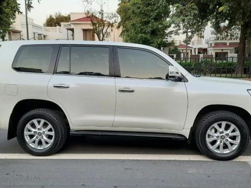 Used Toyota Land Cruiser VX 2016 AT for sale in New Delhi -16