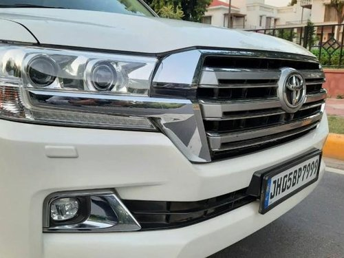 Used Toyota Land Cruiser VX 2016 AT for sale in New Delhi -18