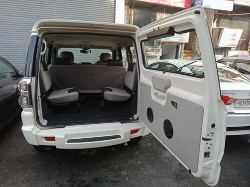 Used 2017 Mahindra Scorpio 1.99 S6 Plus MT for sale in New Delhi -5