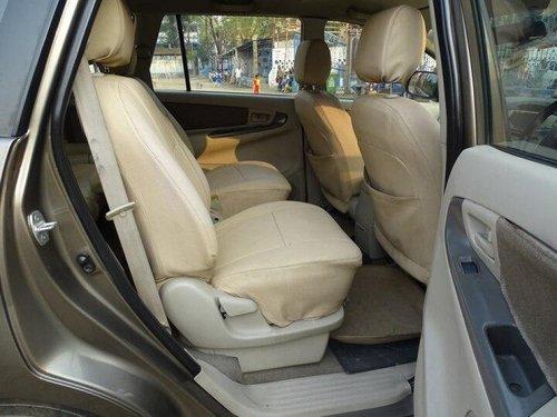 Toyota Innova 2.5 GX (Diesel) 7 Seater 2014 MT for sale in Kolkata