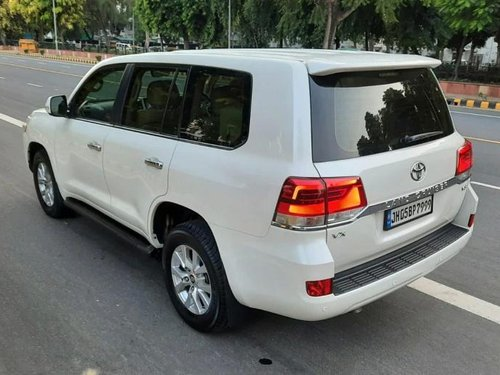 Used Toyota Land Cruiser VX 2016 AT for sale in New Delhi -12