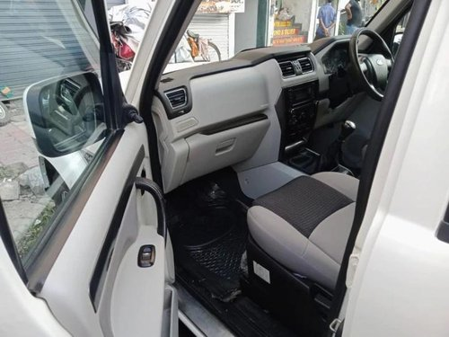 Used 2017 Mahindra Scorpio 1.99 S6 Plus MT for sale in New Delhi -13