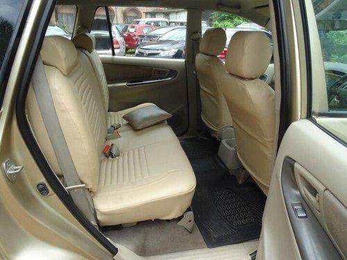 Toyota Innova 2.5 G4 Diesel 8-seater 2010 MT for sale in Kolkata