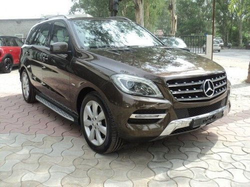 Used 2012 Mercedes Benz E Class AT for sale in Lucknow-4