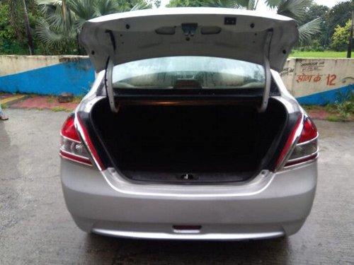Maruti Suzuki Swift Dzire 2013 MT for sale in Indore