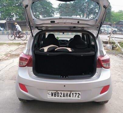 Used 2015 Hyundai i10 Asta AT for sale in Kolkata