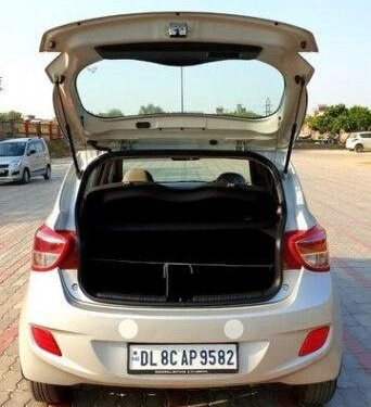 Used 2017 Hyundai i10 Magna AT for sale in New Delhi