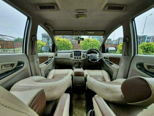2013 Toyota Innova 2.5 G (Diesel) 7 Seater MT in New Delhi-8
