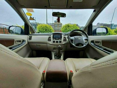 2013 Toyota Innova 2.5 G (Diesel) 7 Seater MT in New Delhi-1