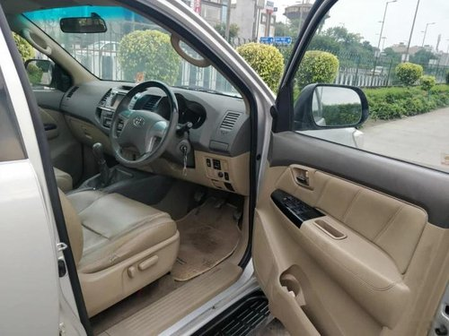 2013 Toyota Fortuner 4x2 Manual MT for sale in New Delhi