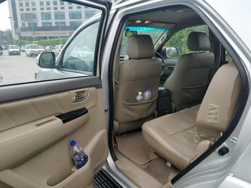 2013 Toyota Fortuner 4x2 Manual MT for sale in New Delhi-4