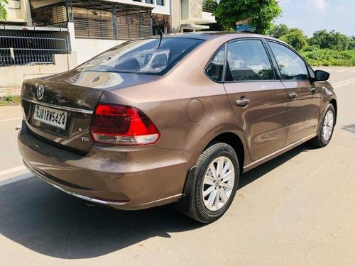 2016 Volkswagen Vento 1.5 TDI Highline AT for sale in Ahmedabad-4