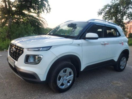 Hyundai Venue S Plus 2019 MT for sale in New Delhi