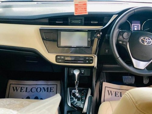 2018 Toyota Corolla Altis 1.8 VL CVT AT for sale in New Delhi