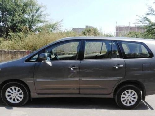 Toyota Innova 2013 MT for sale in New Delhi
