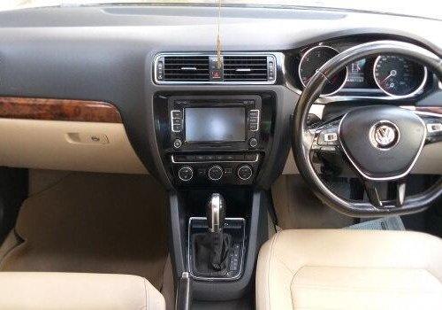 2016 Volkswagen Jetta 2.0 TDI Comfortline MT in Nashik