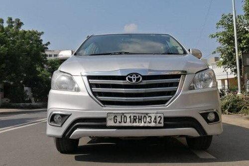 2014 Toyota Innova 2.5 VX 8 STR BSIV MT in Ahmedabad