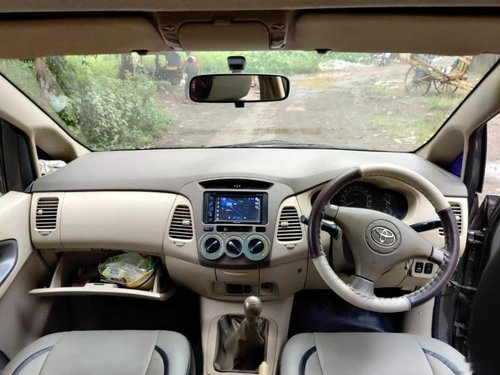 Used Toyota Innova 2007 MT for sale in Mumbai-4