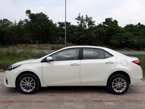 Toyota Corolla Altis Diesel D4DGL 2016 MT for sale in New Delhi