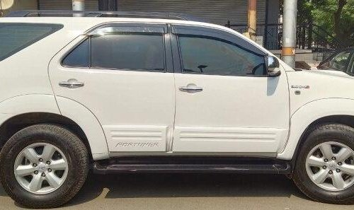 Used 2011 Toyota Fortuner MT for sale in Ghaziabad
