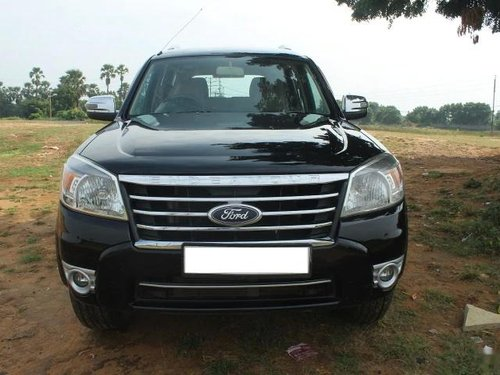 Used Ford Endeavour 2.5L 4X2 2013 MT for sale in Vadodara