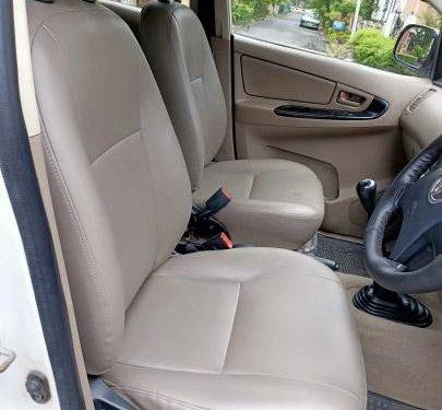 Toyota Innova 2.5 GX (Diesel) 8 Seater BS IV 2015 MT in Kolkata