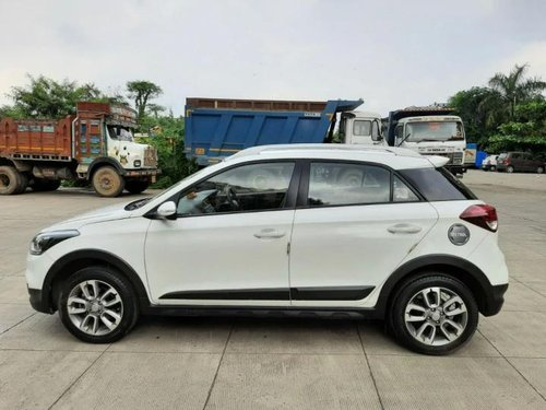 Used Hyundai i20 Active 2017 MT for sale in Thane