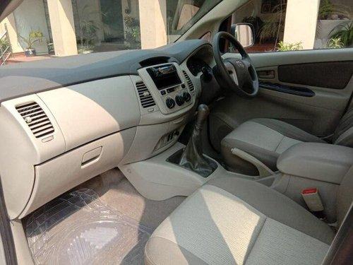 Toyota Innova 2013 MT for sale in Agra