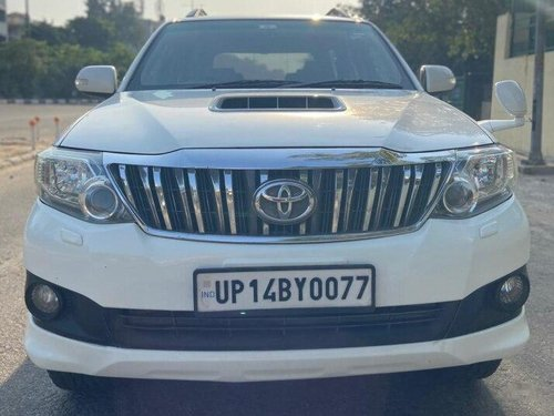 Used 2013 Toyota Fortuner 4x2 AT for sale in New Delhi-9