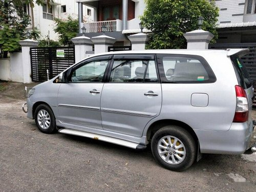 2012 Toyota Innova 2004-2011 MT for sale in Chennai-6