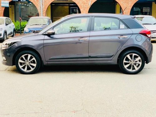 Used 2016 Hyundai i20 Asta MT for sale in New Delhi
