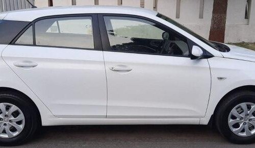 Hyundai Elite i20 1.2 Magna Executive 2017 MT in Ahmedabad -9