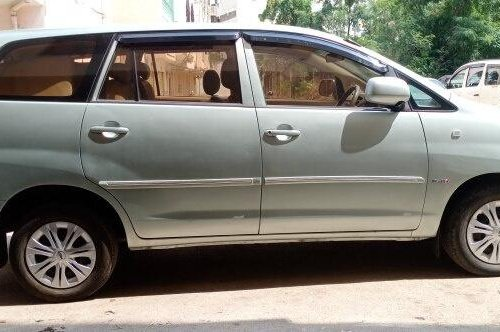 Used Toyota Innova 2005 MT for sale in Hyderabad -1