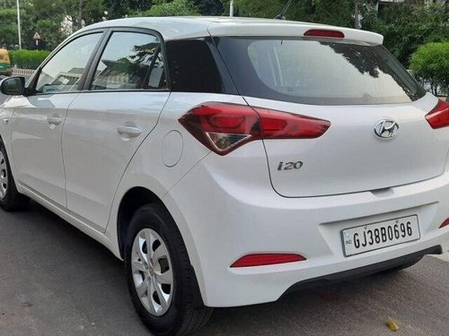 Hyundai Elite i20 1.2 Magna Executive 2017 MT in Ahmedabad -12