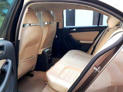 Used 2014 Volkswagen Jetta 2013-2015 AT for sale in New Delhi