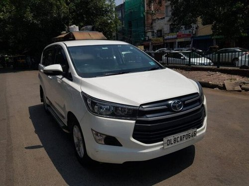 Used Toyota Innova Crysta 2.4 GX MT 8 STR 2016 MT in New Delhi