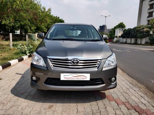Toyota Innova 2.5 VX (Diesel) 8 Seater 2012 MT for sale in Ahmedabad