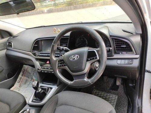 Hyundai Elantra 1.6 SX 2017 MT for sale in Ahmedabad