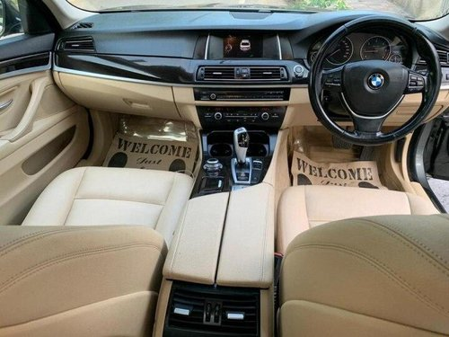 2015 BMW 5 Series 520d Modern Line AT in New Delhi