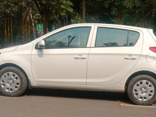 Used 2013 Hyundai i20 Magna MT for sale in Agra